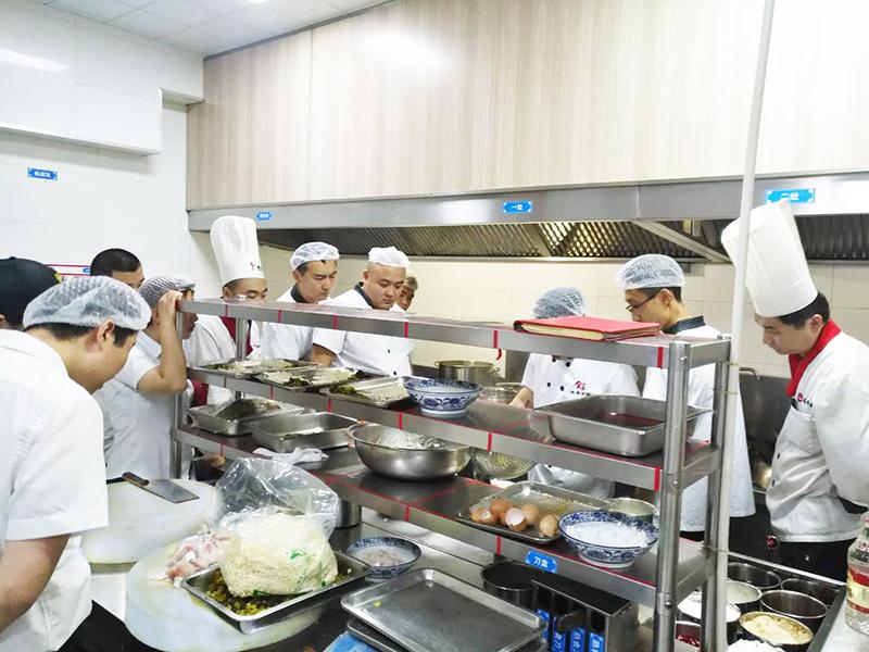 万博手机登录版9月厨师现场培训会