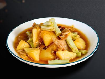 土豆芸豆炖五花肉